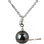 Dpp030 lustrous black Tahitian pearl & diamond pendant in 18K white gold