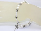 pbr440 white nugget pearl stretchy bracelet with butterfly charm