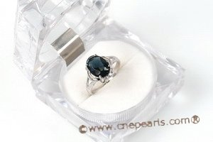 SZR004 Classic Cubic Zirconia Ring in 925 sterling silver