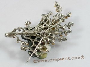 brooch001 Elegant flower design 6-7mm freshwater pearl brooch with 18k GP mounting