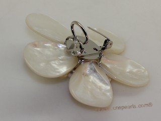 brooch098 65mm  blooming flower shell  brooch Pin with freshwater pearl