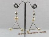 che022 Sterling potato pearl triangular earrings for christmas