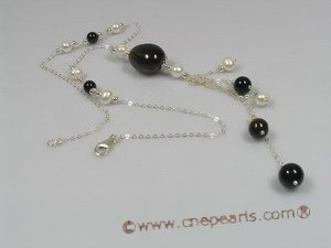 HN008 Delicate holiday crystal & pearl necklace in sterling chain