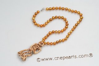 HN010 Designer Champagne Color Freshwater Potato Pearl Halloween&#39s Necklace