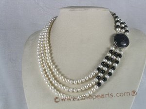 mpn079 triple-strands white button pearl choker with black agate beads Cnepearls Ltd