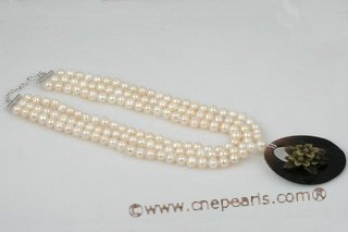 mpn280 Triple Rows White Potato Pearl Layer Necklace with Shell Pendant