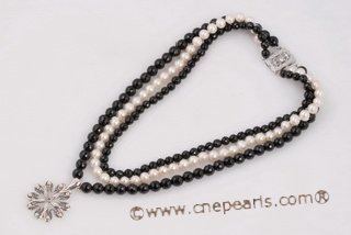 Mpn341 New Style White Pearl and Black Agate Layer Necklace in Three Rows