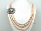 Mpn359 Triple Strand Colorful Pearl Layer Necklace with Carved Lader