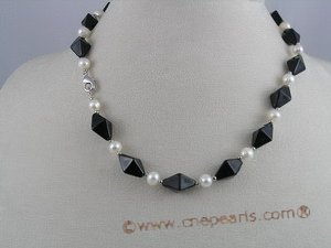 pn019 White potato shape pearl necklace with black crystal beads