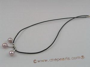 pn036 Black rubber chain necklace with 3pcs purple pearls