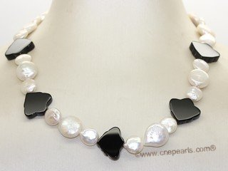 pn765  Black Agate with White Freshwater coin Pearl Necklace
