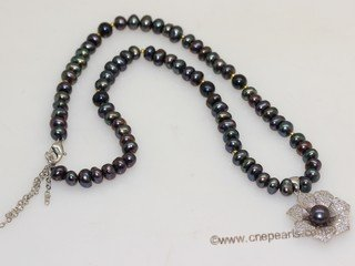pn768   Hand knit 6-7mm black button pearl necklace dangling with sterling pendant