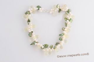 Pnset597 White side drlled freshwater pearl & green keshi pearl twisted necklace set