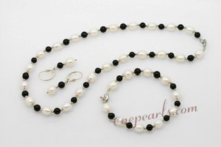 pnset608 Smart White Cultured Pearls and Black Agate Jewelry Set