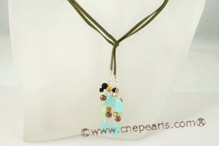 rpn228 Lovely green faux suede long pearl and crystal drop necklace