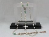 ryn002 Wire-wrapped 6-7mm white rice pearl Rosary necklace with chinese green jade