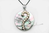 sp050 50mm round Natural sea shell pendant seized with zircon beads