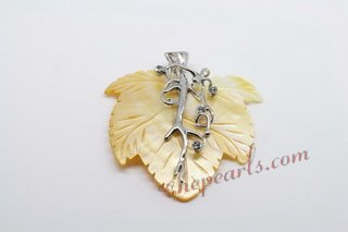 SP160 Trendy Leafe shape mother of pearl sea shell pendant Necklace