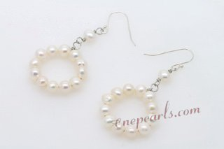 Spe442 Sterling Silver White Seed Pearl Circle Hook Dangle Earrings