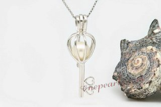 spp020 sterling silver 7-8mm AAA round pearl key design pendant