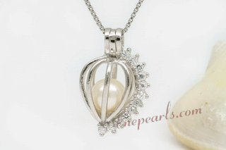 spp022 sterling 7-8mm AAA round pearl Heart with CZ pendant