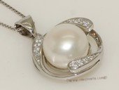 Spp418 Elegant pendant  with freshwater pearl embraced in sterling silver mounting