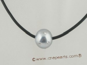 sppd024 Fashion single shell pearl with zircon pendant leather necklace in wholesale
