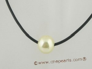 sppd025 wholesale Graceful single shell pearl pendant leather necklace