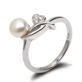 Spr168 Miadora Sterling Silver Freshwater Pearl and Zircon Ring