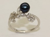 spr185 Sterling Silver Freshwater Cultured Pearl & Zircon Accent  Flower Ring