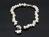 stcbr006 Cultured pearl& Faceted Aagte Bracelet with Silver toned Charm