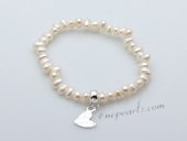 stcbr012 Fashion Potato Seed Pearl Stretchy Braceelt with Heart Charm