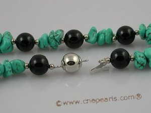 tqn022 Green nugget turquoise single strand necklace with balck agate