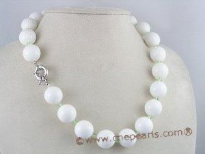 tqn025 14mm Deep sea tridacna with crystal single necklace
