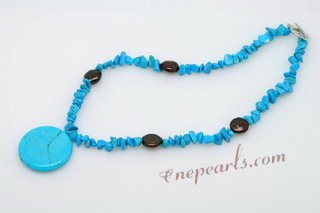 Tqn059 Beautiful Nuggets Turquoise Necklace with Round Pendant