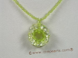 ZN040 Faceted chinese crystals necklace with green zircon flower pendant